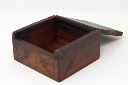 Keltisches Holzkästchen - leer