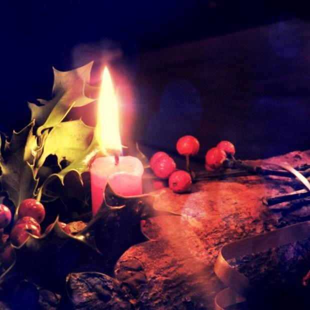 solstice d'hiver et lumière de bougie
