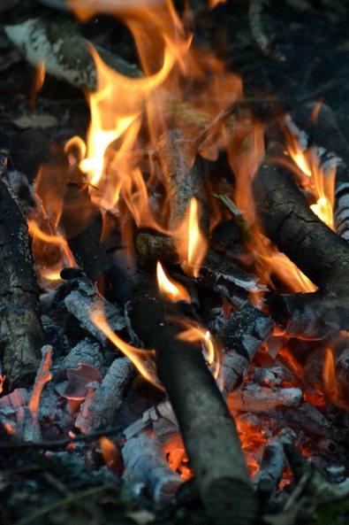 évocation du feu du solstice d'été
