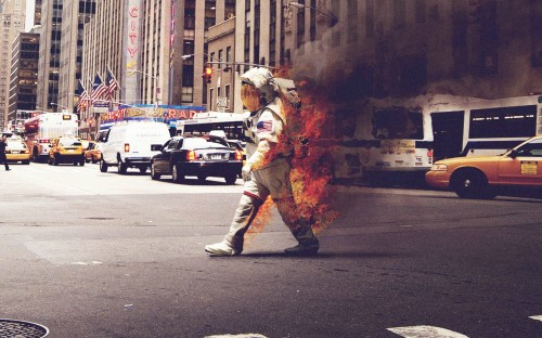 astronaut on fire 500x312 astronaut on fire