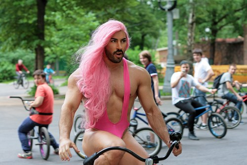 sexy pink hair on a bike 500x333 sexy pink hair on a bike