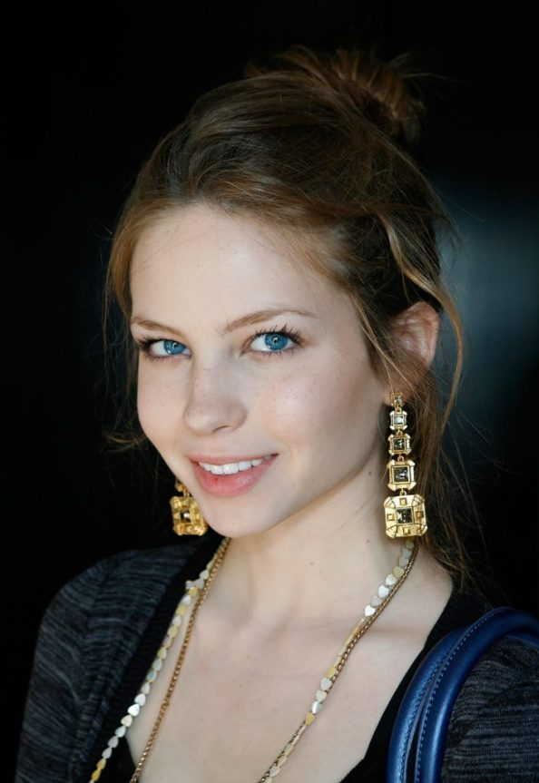 Daveigh Chases golden ear rings 705x1024 Daveigh Chases golden ear rings