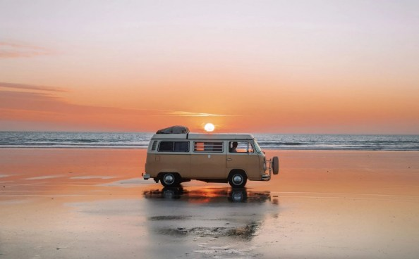 VW Van on the Beach going to execute his wife VW Van on the Beach going to execute his wife