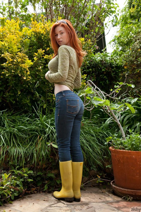 red head in rain boots