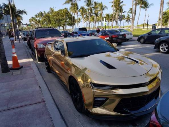 Golden Sports Car Golden Sports Car