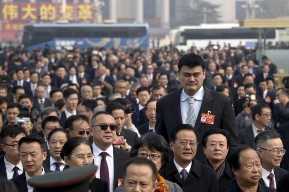 Yao Ming in a crowd 1024x683 Yao Ming in a crowd