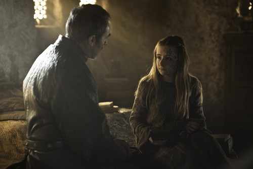 Kissed-by-Fire-3x05-game-of-thrones-34365163-500-333