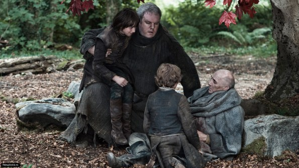 Bran-and-Rickon-with-Luwin-and-Hodor-house-stark-31118185-1333-750