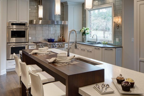 Contemporary Suburban Kitchen Remodel