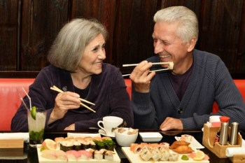 eat with dentures