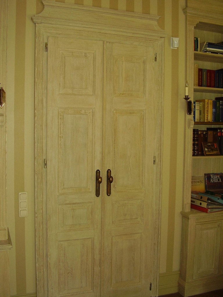 pelne-drzwi-wewnetrzne-dwuskrzydlowe-piaskowane-min
