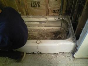 under tub liner