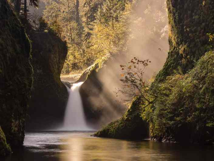 Sun Rays at Punchbowl Falls