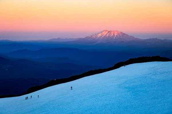 Alpenglow on Mt St Helens