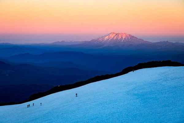 Alpenglow on Mt St Helens