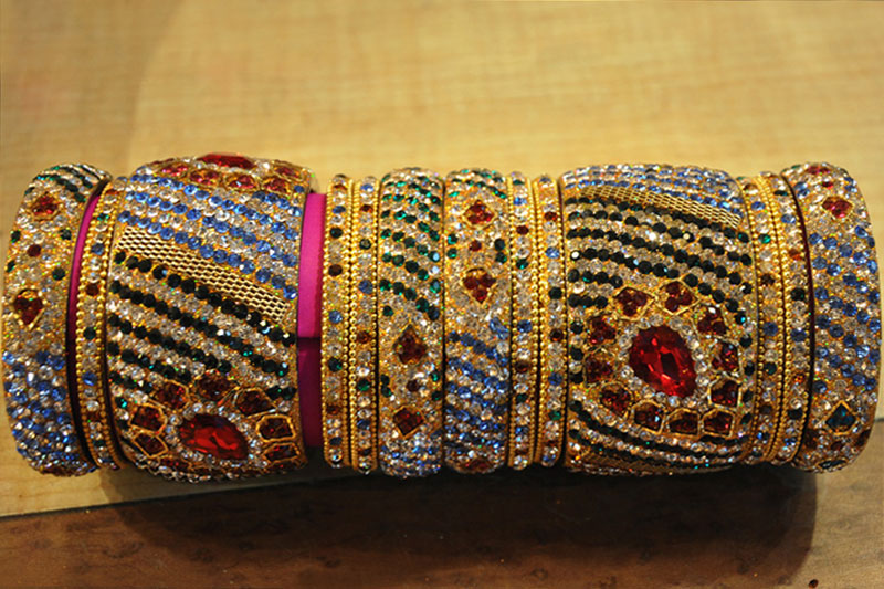 Hyderabadi bangles online shopping list – Places to Shop in Hyderabad |  Hyderabad shopping places | Times of India Travel – Buy Bangles, Glass  Bangles and Wooden Bangles Jewelry Online