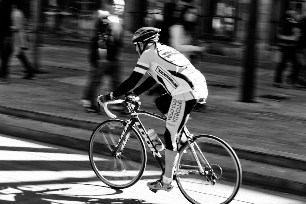 #01 filé d'un cycliste