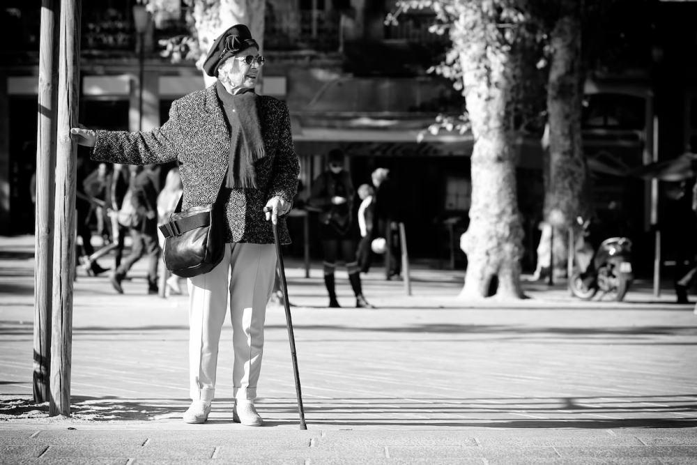Photographie d'une mamie en Aix en Provence
