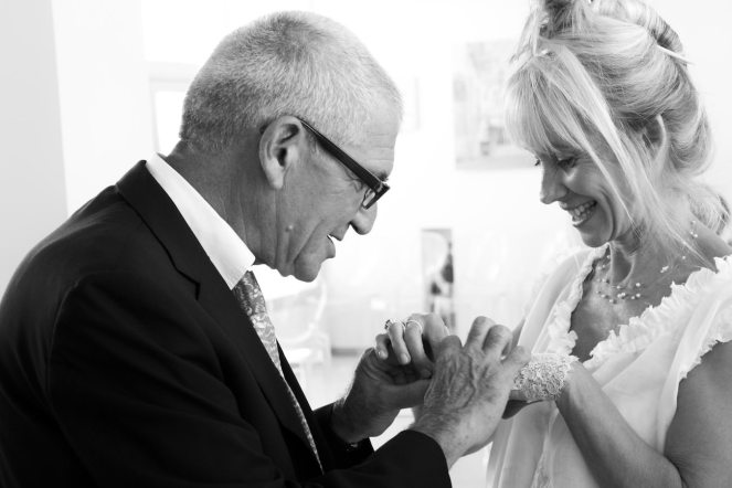 Mariage d'Etienne et Brigitte : passage des alliances