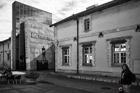 Photo de rue à la Bibliothèque Cézanne