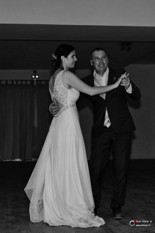 Première danse avec le papa de la mariée