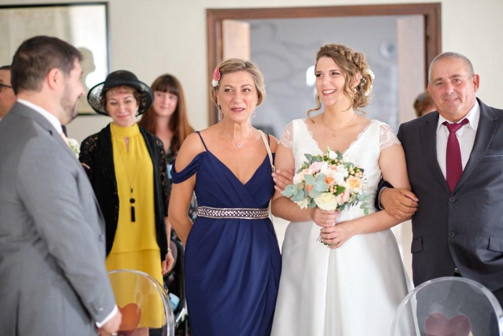 Les mariés se découvrent à la mairie de la fare