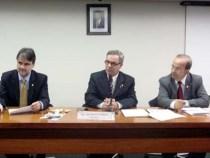 Waldenor preside Comissão: Responsabilidade Educacional