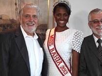 Governador recebe visita da Miss Bahia 2013