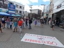 Manifestantes questionam rodeio na Expoconquista
