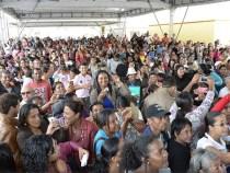 Mais 500 famílias recebem moradias