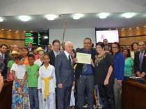 Câmara homenageia Projeto Conquista Criança