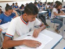 Escolas realizam aulões na reta final para o Enem