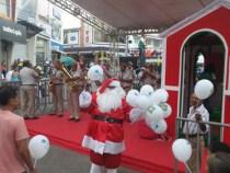 Papai Noel dá início a campanha da CDL