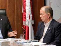 Rui antecipa ICMS: quita dívidas com os municípios