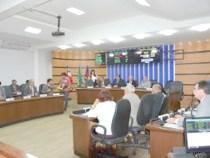Câmara: sessão extraordinária vota alteração da LOA