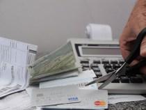 Governo muda as regras para cartão de crédito