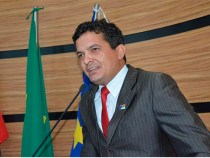 "David Salomão condena ""ato obsceno"" de artista no carnaval"