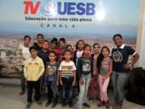 Estudantes do CRAS Jardim Valéria visitam Rádio e TV UESB