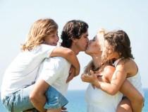 Entre beijos e abraços, por Nilson Lattari