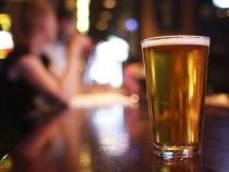 Os perigos do álcool para a saúde bucal
