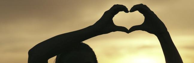 Natureza cética e essência espiritual: o amor fraterno