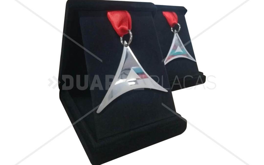 Medalha Triangular