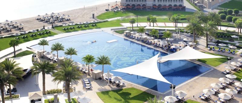 The Ritz Carlton Abu Dhabi Grand Canal Pool