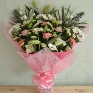pink white flowers bouquet in Dubai