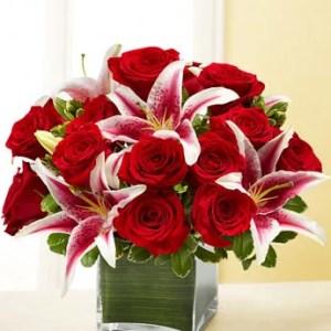 short flower vase