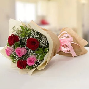 red pink roses bouquet