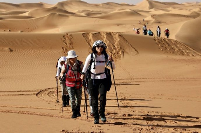 60 women participate in the Women's Heritage Walk from Abu Dhabi to Al Ain