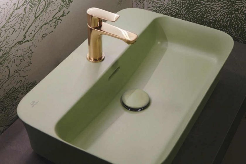 آيديال ستاندارد تقدم ألواناً جديدة وعصرية لمجموعة من الأحواض