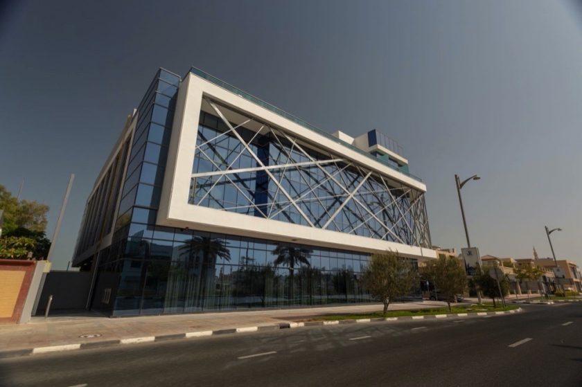 """""""مجموعة الوليد"""" تفتتح أول فندق 4 نجوم في """"جميرا"""" دبي"""