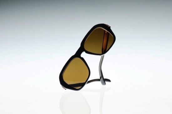 KERING EYEWEAR AND DUNHILL DEBUT THE NEW SPRING-SUMMER 2021